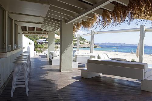 naar het strand es cavallet ibiza vandaag. Black Bedroom Furniture Sets. Home Design Ideas