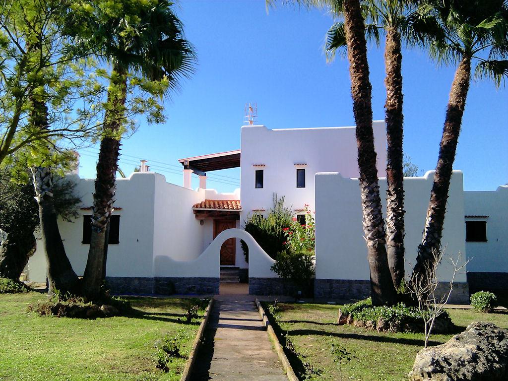 Professionele foto 39 s van je huis op ibiza ibiza vandaag - Foto van eigentijds huis ...