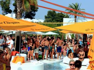 column beachclubs