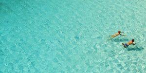 Blauwe lagune op Ibiza