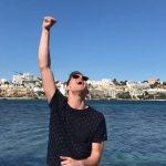 Rotterdammer (25) crowdfundt zijn club naar Ibiza
